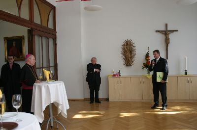 pontifikalamt_und_empfang_1_20101010_1585236172